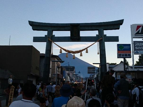吉田の火祭りの様子
