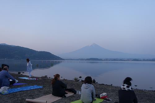 2018年世界遺産ヨガの富士山