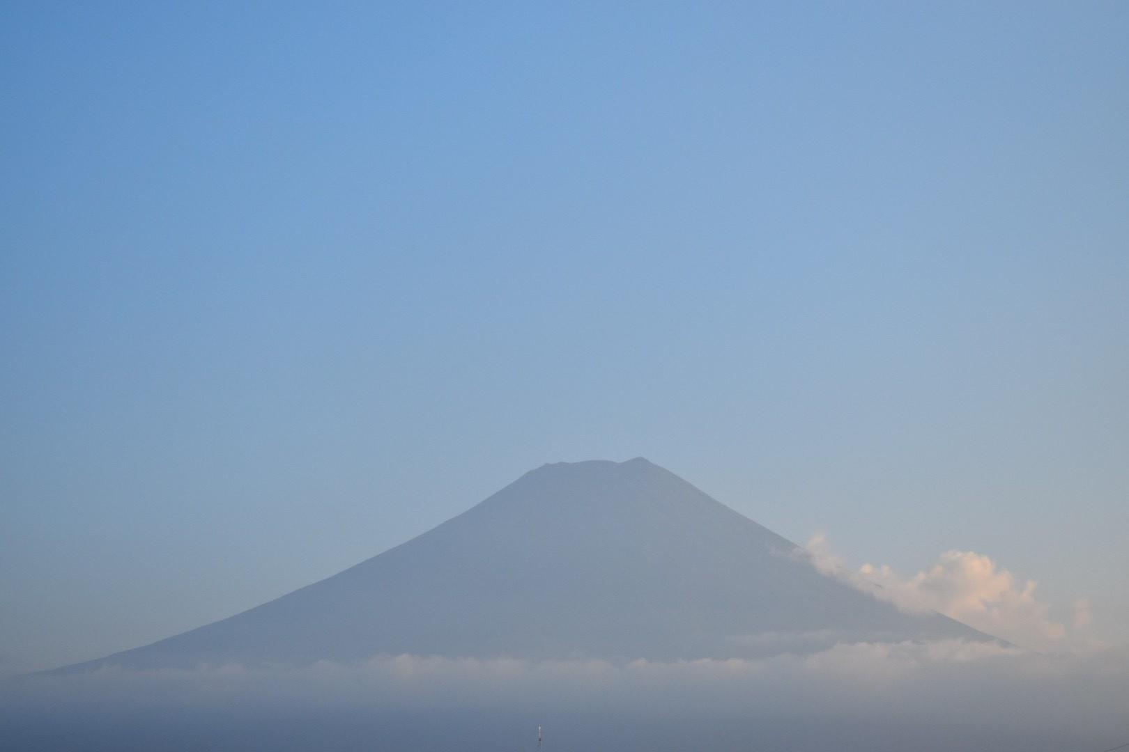 市街地から撮った富士山の写真