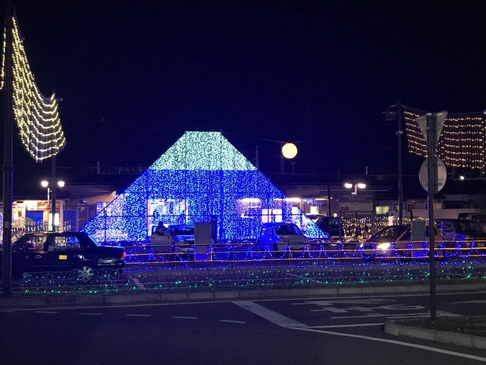 大月駅前の富士山イルミネーション