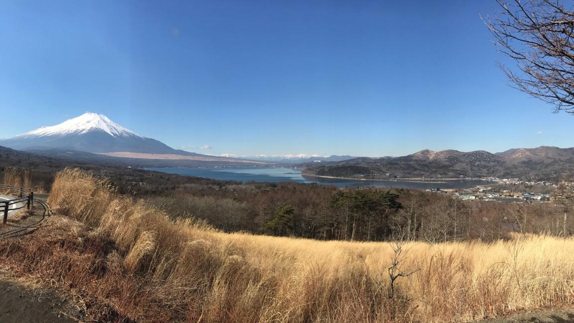 三国峠から望む富士山